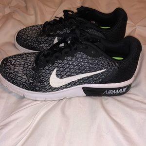 Nike Shoes - Black Nike AIRMAX